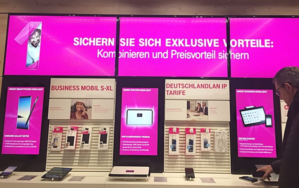 Digital Signage Telekommunikation im Deutsche Telekom AG Flagship Store